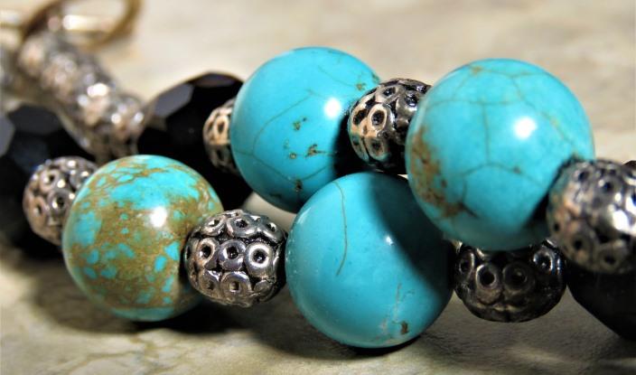 Камень бирюза - украшения