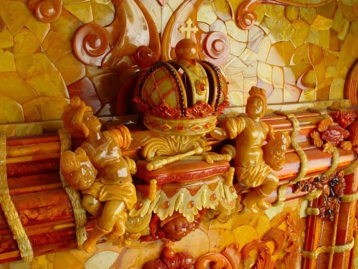Панно в Янтарной комнате